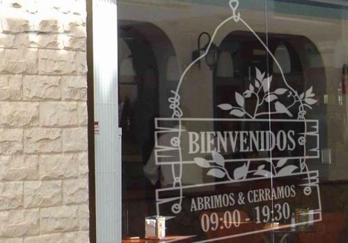 QVinilos Locales Comerciales 9